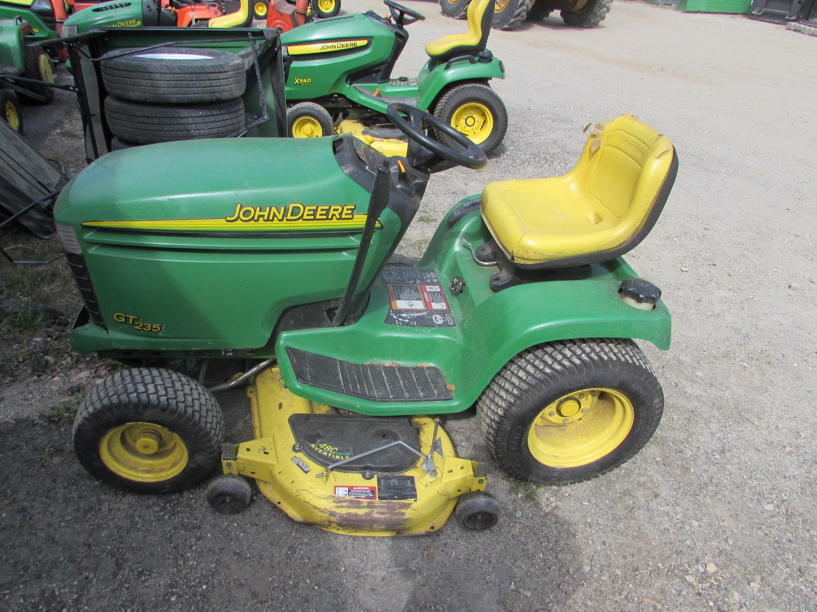 $1,999, 2002 John Deere GT235 RIDING LAWN MOWER